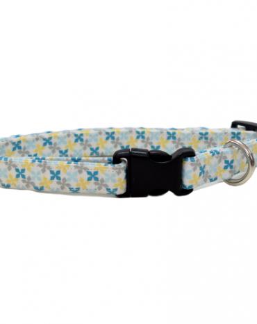blue geo shape fabric collar